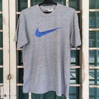 Vintage Nike Swoosh Big Logo Tshirt