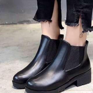 🚚 英倫粗跟短靴