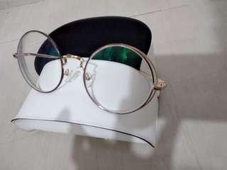 金色圓框眼鏡