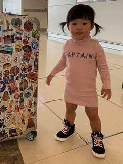 粉紅色樽領連身裙
