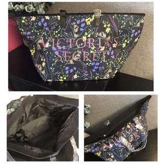[PO] Victoria's Secret VS duffel/ travel/ gym/ sports/ exercise/ fitness/ shoulder/ beach handbag/ tote/ diaper/ bag $35