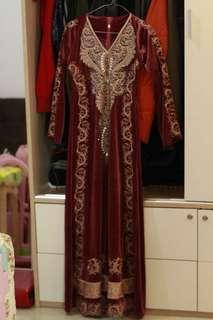 Dress Muslimah Maroon Bludru Bordir