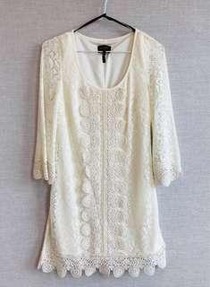 白色 蕾絲 長袖 連身裙 斯文裙 晚宴裙 White lace long-sleeves dress with elegant pattern 新舊如圖 As shown condition