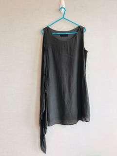 深灰色 連身裙 輕紗細節 簡單 薄料 Charcoal grey simple sleeveless one piece dress 新舊如圖 As shown condition