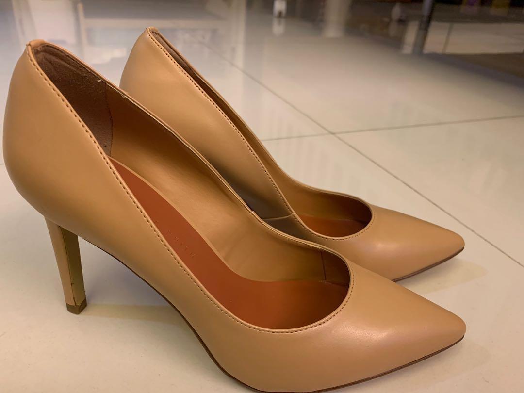 Brand new nude color high heel shoes 全新杏色高跟鞋(10cm)