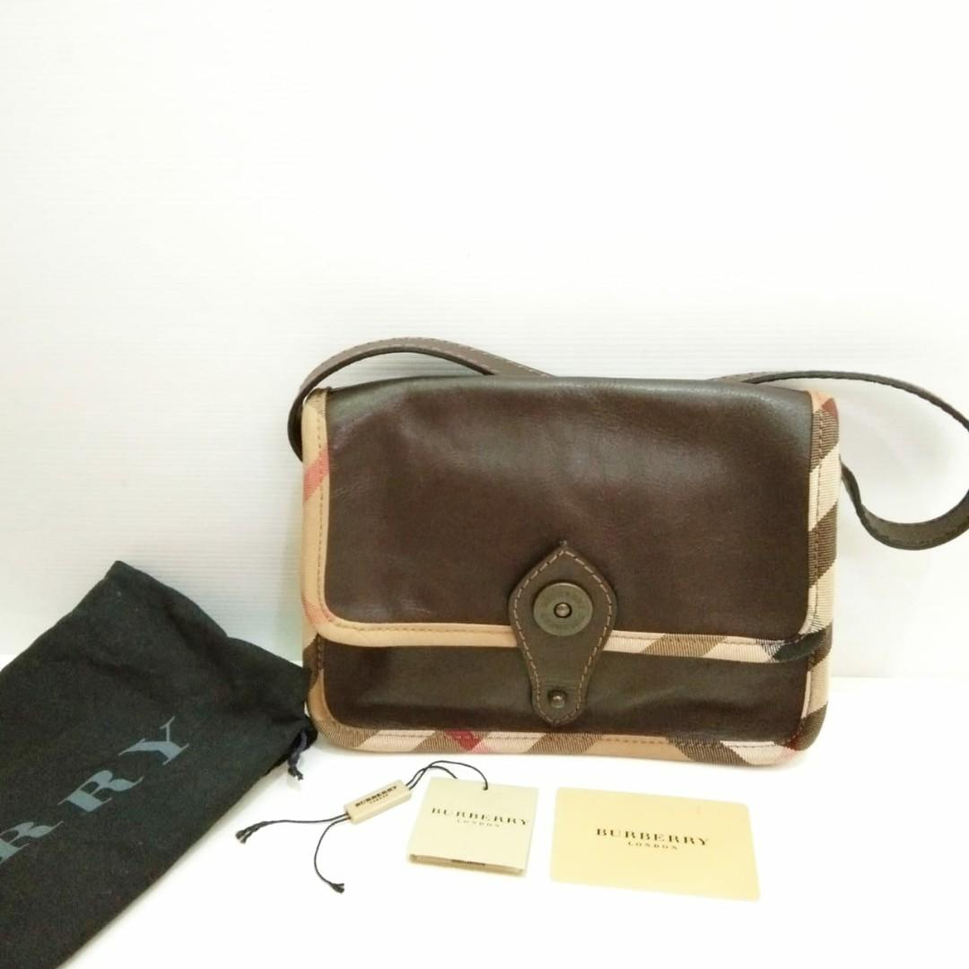 Burberry Shoulder Bag Leather Brown comes with card and dust bag (24x5x18cm)