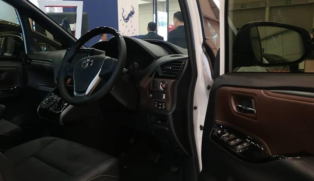PROMO Toyota All New Voxy 2.0 Valve AT 2019 Toyota Alphard Rush Agya Avanza Vellfire C-HR Voxy Vios Calya Yaris Fortuner Kijang Innova Sienta Corolla Altis Land Cruiser Hi Lux Hi Ace Single Double Cabin S E G Q V SRZ VRZ VELOZ MT AT 2019