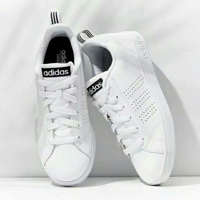 Sepatu sneaker Adidas Putih polos Replika (