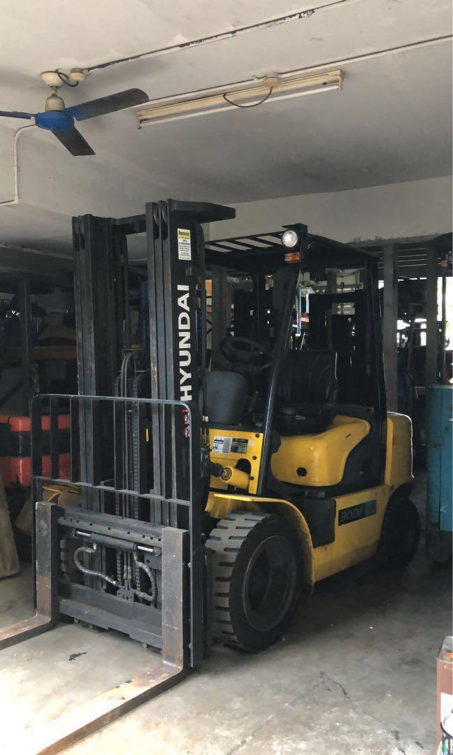 Used 2015 year Hyundai 3ton Diesel forklift @$650 downpayment to drive away only