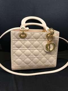 🚚 Pink bag