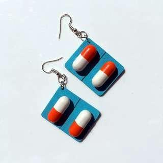 (po) pill medicine earring