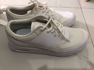 quality design 4b160 5ea1d Nike Women White Air Max Thea