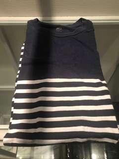 🚚 Uniqlo stripe t shirt