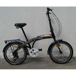 """20"""" 6Speeds Foldie ✩ Shimano, foldable pedals ✩ fits nicely into car boots! ✩ officially allowed on public transport: Bus✓ MRT✓ Taxi✓  ✩ Brand New Bicycles, Xtreme *Taiwan (rear rack and mud guards are optional items)"""