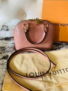 Authentic Louis Vuitton Alma BB vernis in rose velours