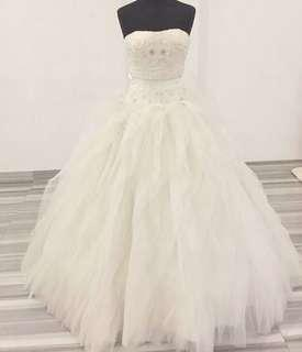 Lace Wedding Dress with Long Train for Sale