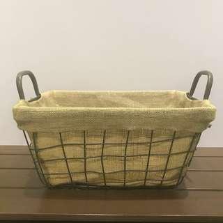 Metal basket with burlap liner