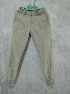 Celana joger krem bahan tebal jeans Tirajeans size 31