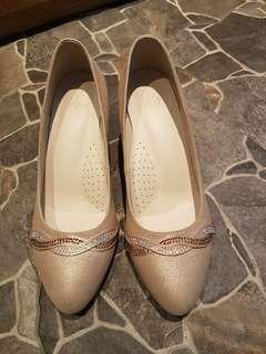 A.S.O 阿瘦 氣質膚色微閃亮面 好搭高跟鞋(6.5)