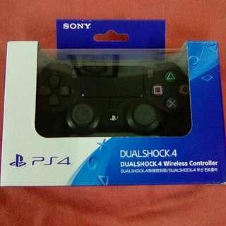 PS4 Original controller Condition 10/10
