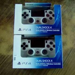 PS4 Original NEW controller by SONY