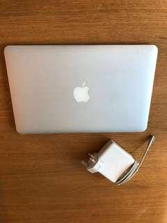 MacBook Air (11-inch, Late 2010); Excellent Condition