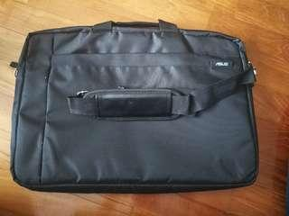 Laptop bag for 17-inch laptops