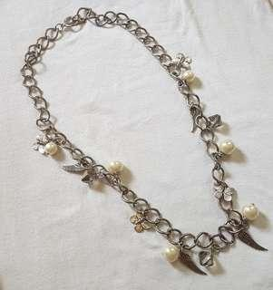 STATEMENT NECKLACE: CHARM SILVER