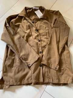 🚚 Brown button down outerwear jacket thin