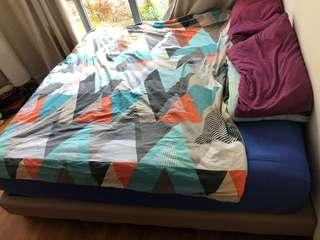 ***free***Comfortable king size bed