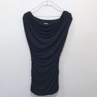 🚚 H&M Black Boatneck Slim Cut Ruched Neckline Top Shirt