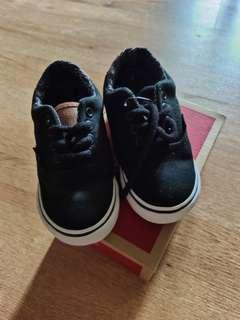 🆓 [POSTAGE!] VANS Shoes