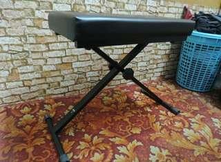 Ashton adjustable piano keyboard bench