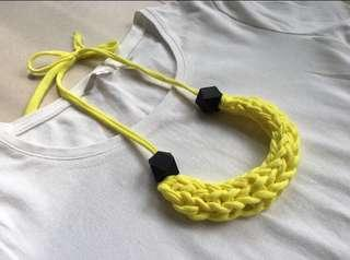 🚚 Handmade t-shirt yarn necklace - yellow and black