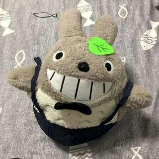 2-in-1 Totoro plush blanket