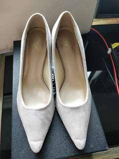 Free 灰色高跟鞋, Grey High Heels