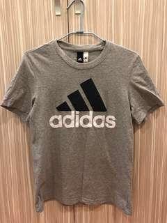 🚚 Adidas 上衣