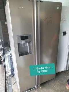 🚚 Used samsung side by side huge fridge with free delivery