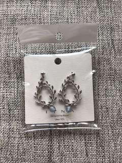 🚚 New! Leaf entwined earrings