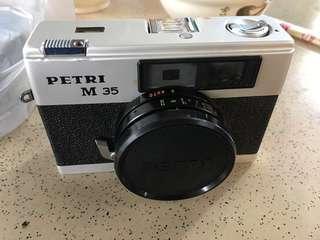 Petri M35 底片相機 旁軸相機(旁軸七劍可以參考)