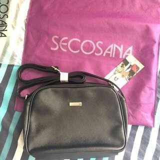 ✨Brand new Secosana Sling Bag ✨