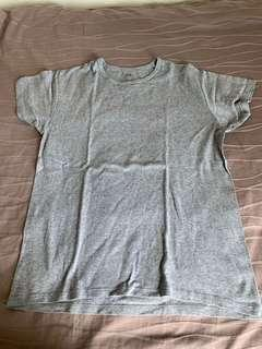 Uniqlo Grey T Shirt