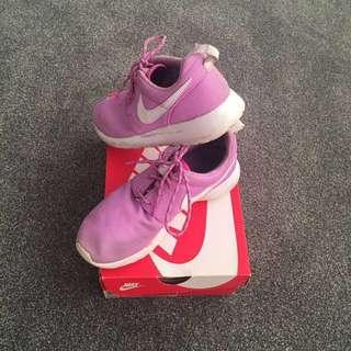 Nike Roshe One Fuchsia
