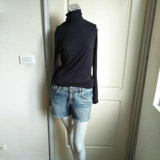 🚚 【onsale】Lativ heat up黑色素面保暖套頭上衣-L