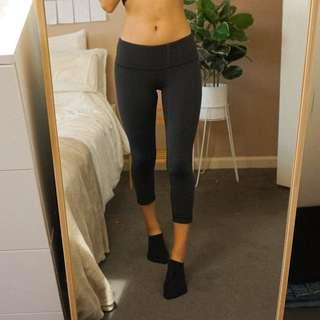 Lululemon Black Low Rise Luxtreme CroppedTights
