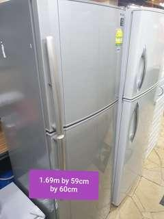 🚚 Used sharp 312 litres big fridge cheap with free delivery