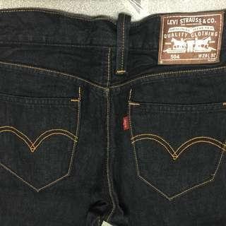 九成新的504 Levi's 偏黑色29腰褲#flashthurs