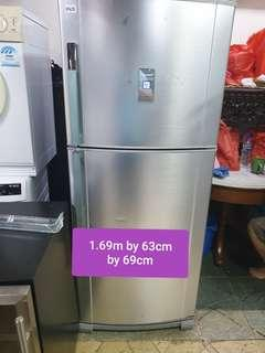 🚚 Used sharp 366 litres huge fridge cheap good good