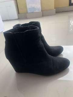 Forever21 black ankle Boots