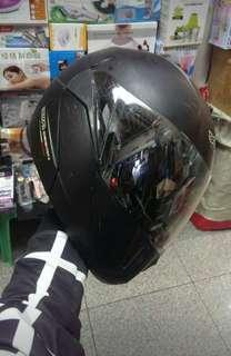 Beon Helmet 電單車頭盔 L size , Great condition
